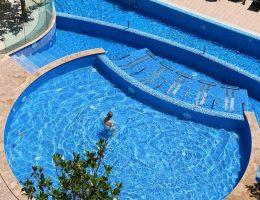 La Mer Apartcomplex Swimmingpool (2)